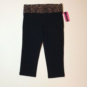 Material Girl active bottoms size small